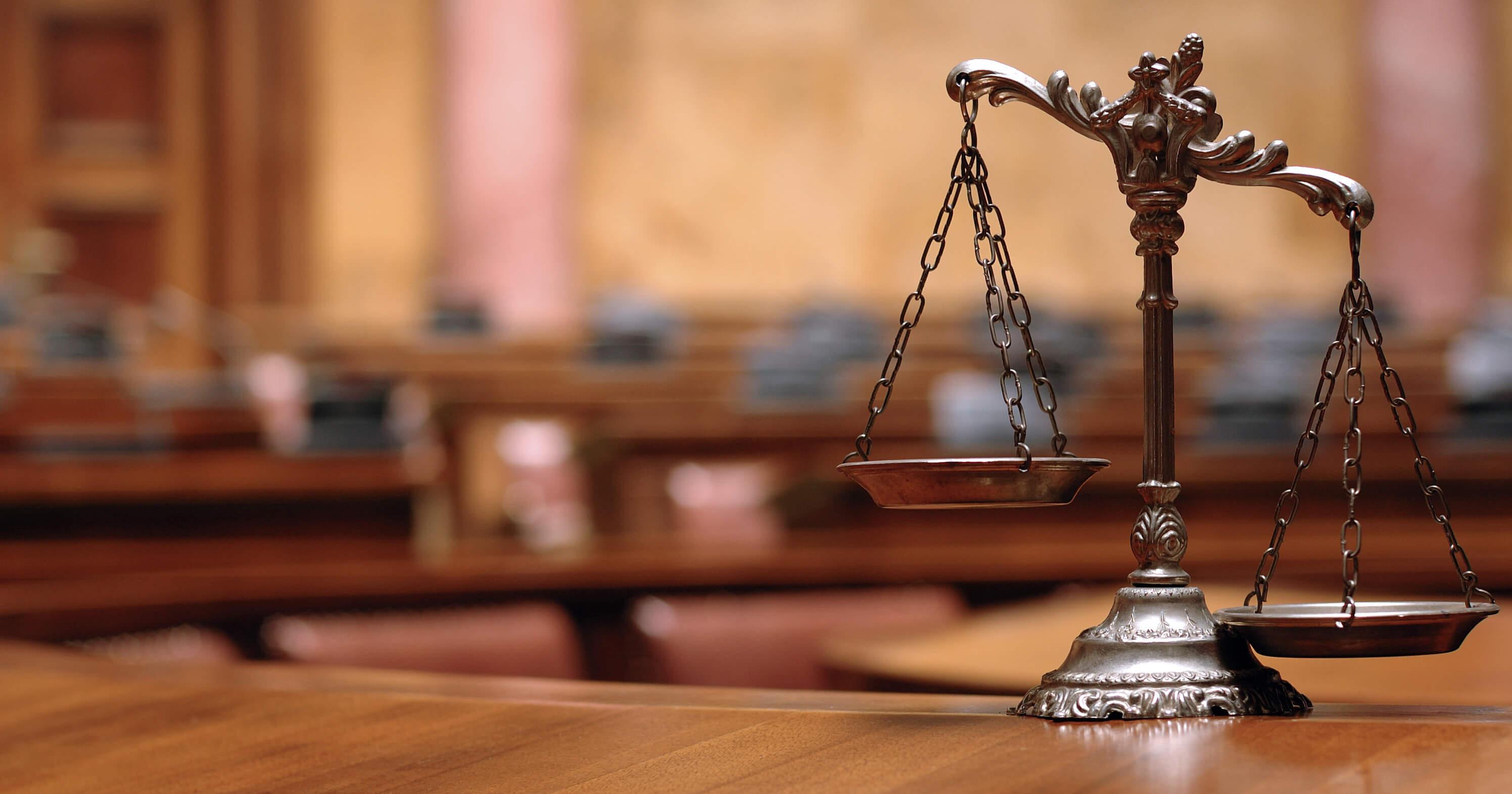 lawyer-2992-1571-c